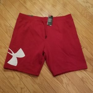 NWT Men's size XXL Under Armour sweatshorts
